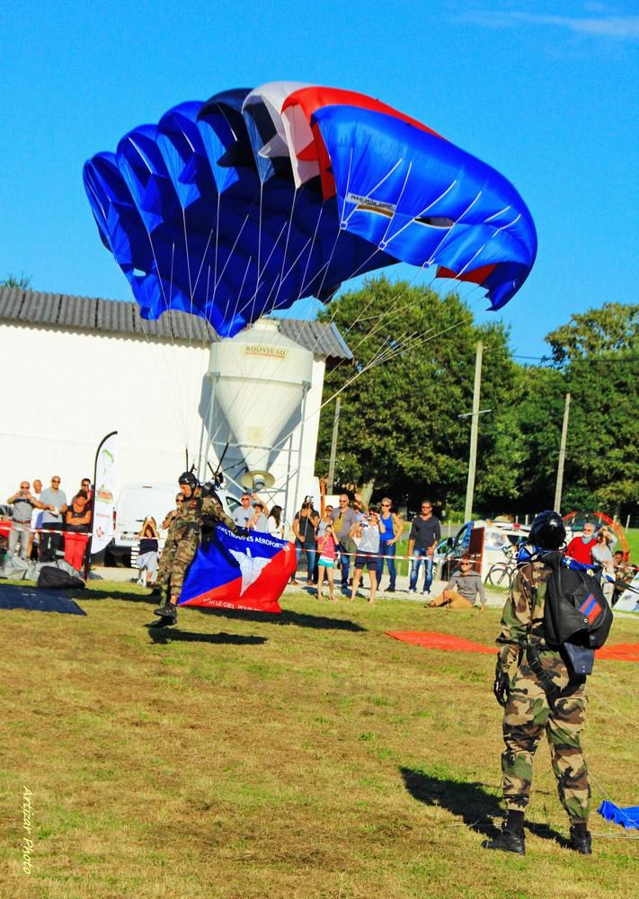 parachutes 15030509 V2