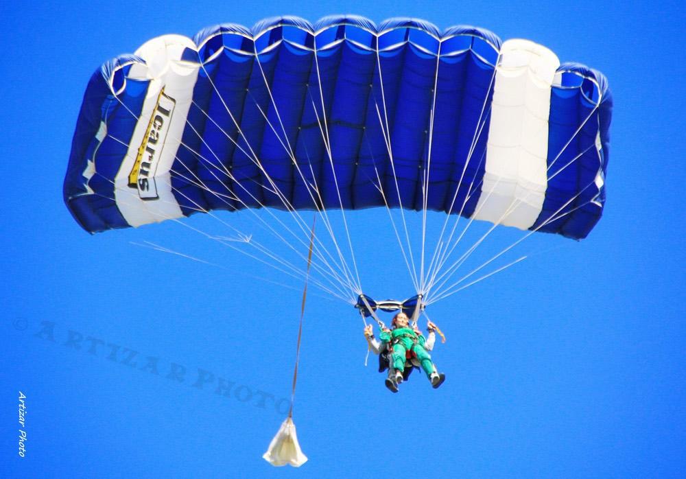 parachutes 21030509 V2