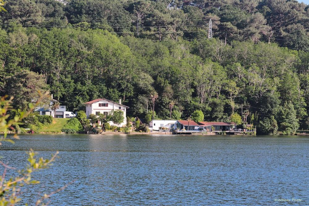 Lac Mouriscot 052705-1