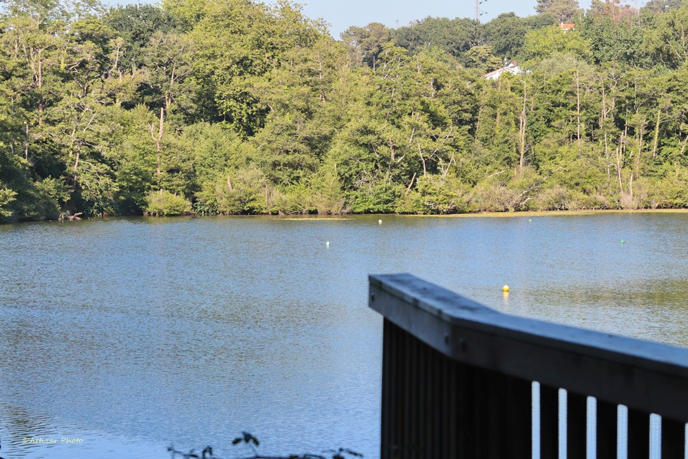 Lac Mouriscot 072705-1