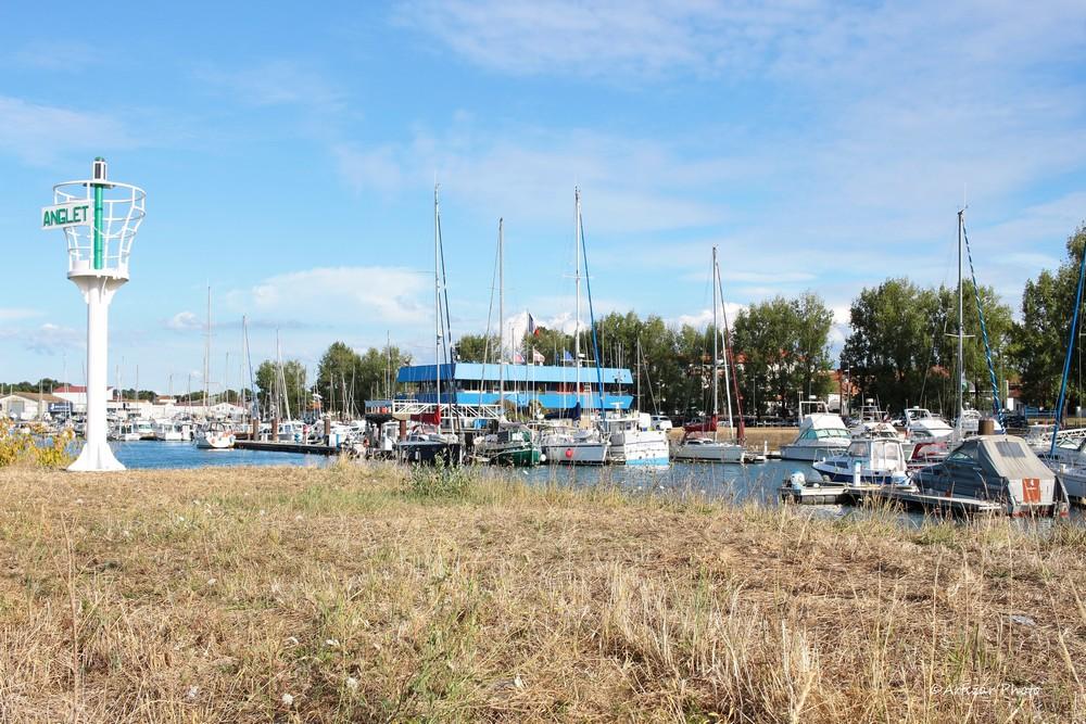 Port du brise lame 011808-1